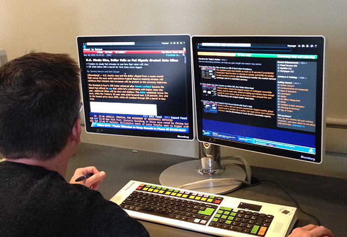 Student utilizing the Bloomberg Trading Terminal